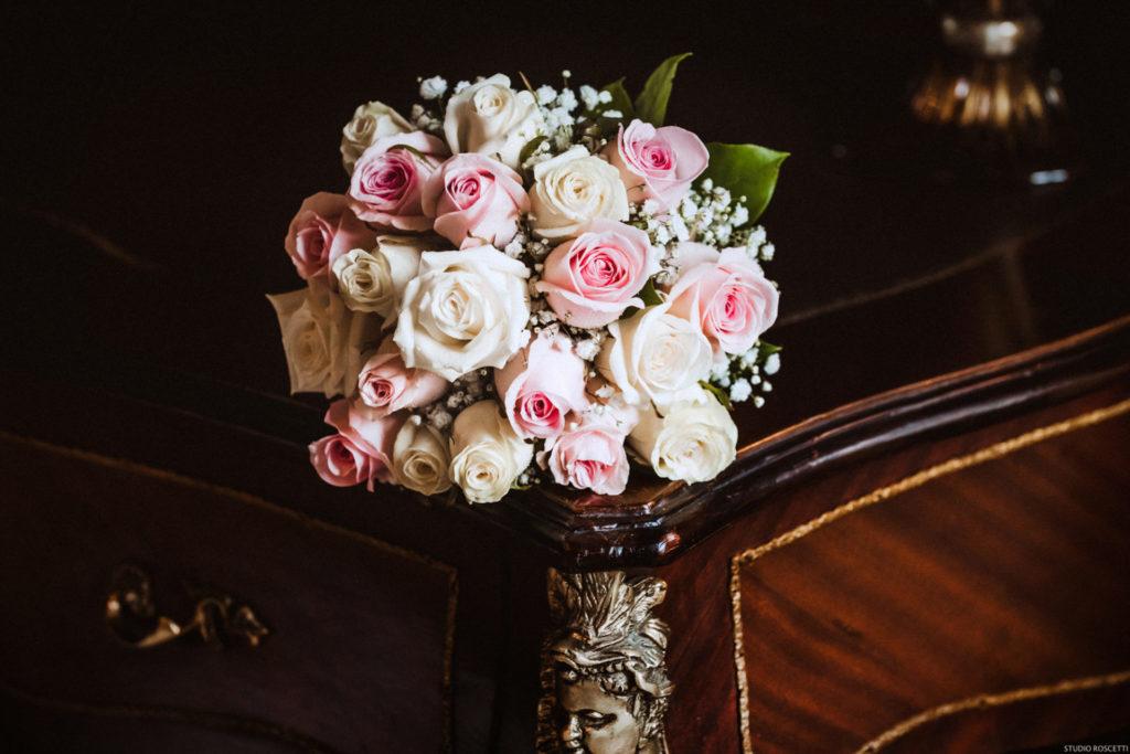 Bouquet Sposa Vero O Finto.Fotografo Di Matrimonio A Roma La Sposa E Il Bouquet Studio
