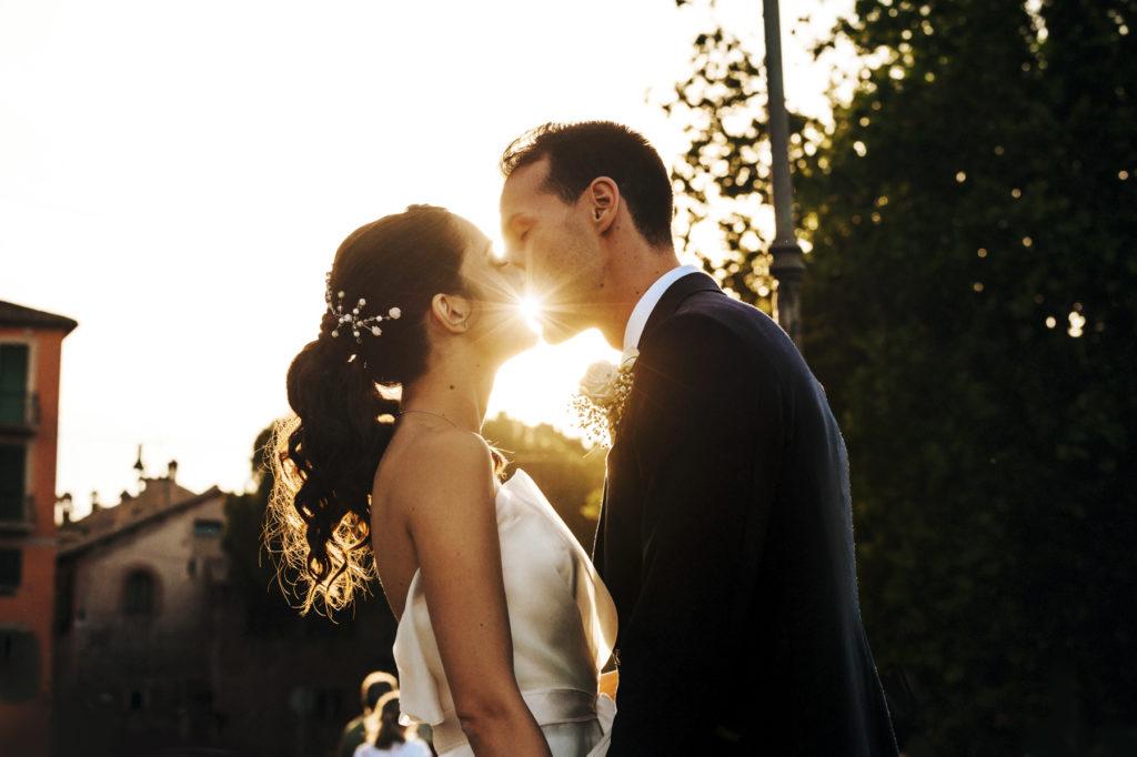 Fotografo di matrimonio a Roma: passeggiare a Trastevere