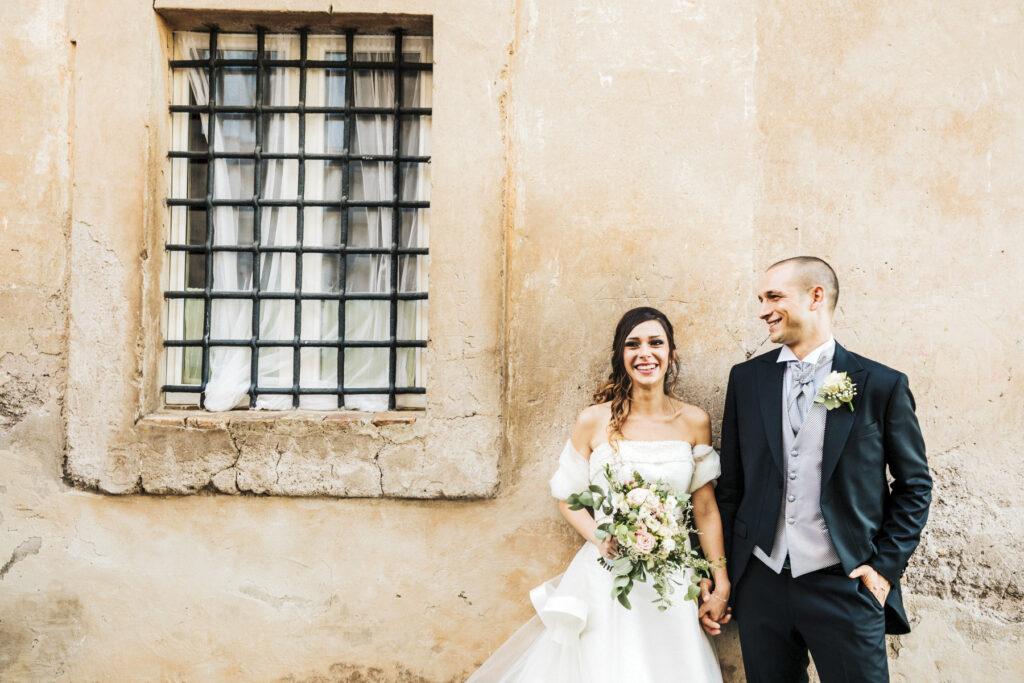 Fotografo di matrimonio a Cerveteri: foto di coppia in campagna